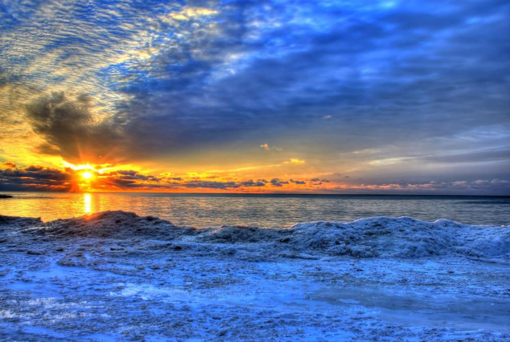wisconsin-whitefish-dunes-state-park-sunrise-on-the-horizon